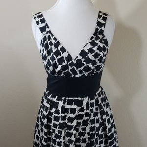 Black and White Midi WHBM 100% silk dress